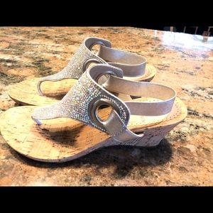 White mountain s glitter sandals